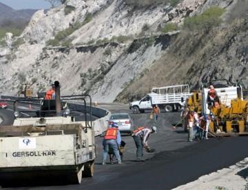 Gobierno proyecta pavimentar el 41% de los caminos básicos a 2018 con plan de 15 mil km de rutas