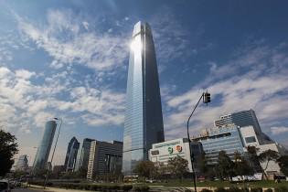 Torre Costanera elevaría vacancia de oficinas al 10% y su ocupación total tardaría hasta dos años