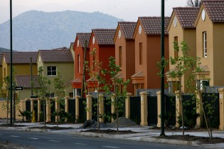 Precio de viviendas subió hasta 36% desde anuncio de reforma tributaria