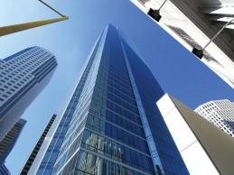 Millennium Tower, el rascacielos de cristal que se hunde e inclina en San Francisco