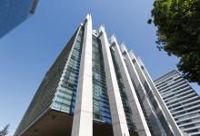 Primer edificio Semi Colgante de Chile: Un desafío a prueba de acero