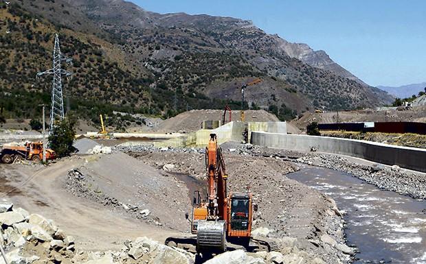 Aguas Andinas propone usar Alto Maipo para asegurar suministro en Santiago