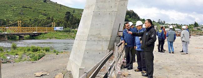 Indagan fraude en construcción de puente en Temuco
