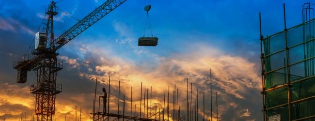 Sector de la construcción ve riesgo de éxodo de trabajadores a minería