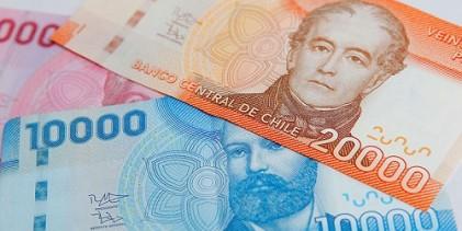 Chilenos en promedio percibieron un ingreso laboral medio de $554.493 en 2017