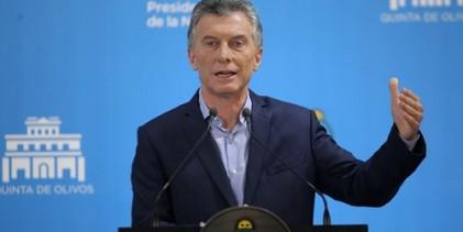 """Macri reconoce que el crecimiento económico en Argentina """"va a disminuir"""""""