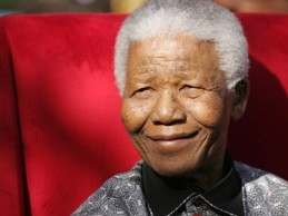 A 100 años del nacimiento de Mandela: Su legado y la dura situación actual de su país